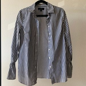 Banana Republic Grey / White Striped Fitted Shirt
